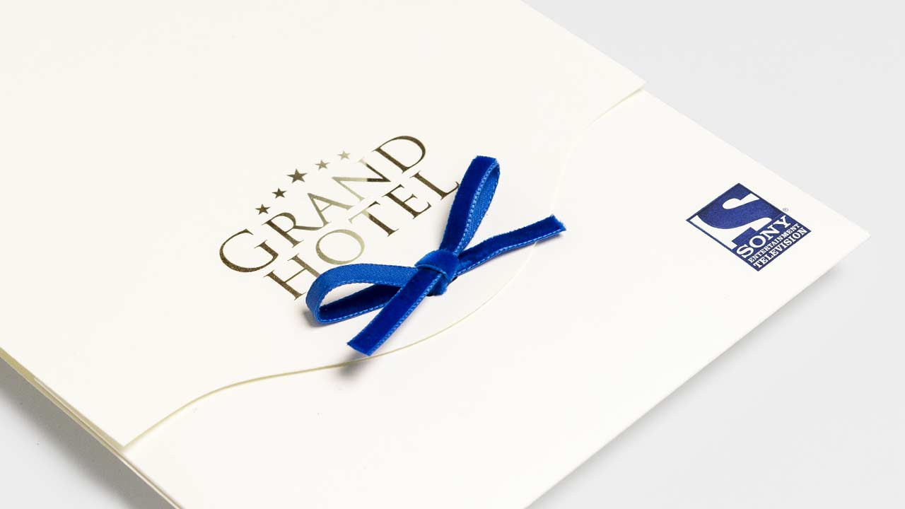 SONY Entertainment Television, press kit Grand Hotel, closure detail, side view